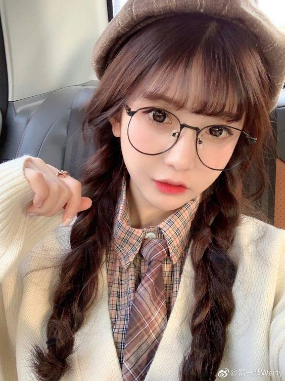 10 ทรงแว่น สำหรับสาวแบ๊ว ลุคไหนใส่แล้วเข้ากับคุณที่สุด