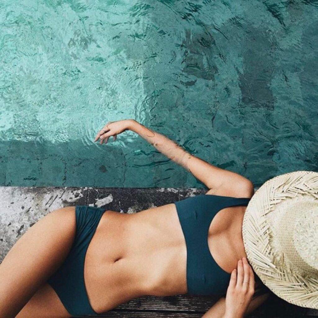ชุดว่ายน้ำ